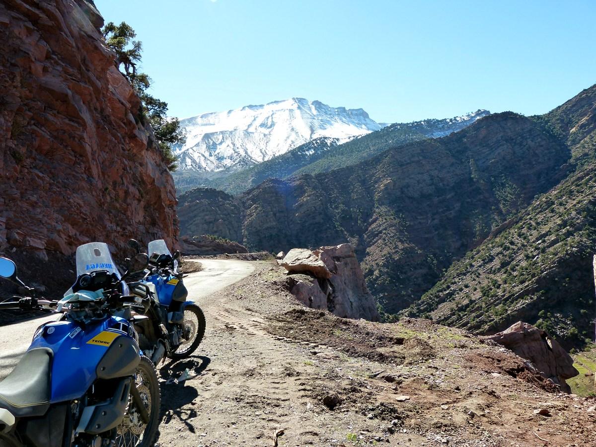 raid moto maroc 4 jours de moto dans l 39 atlas marocain. Black Bedroom Furniture Sets. Home Design Ideas